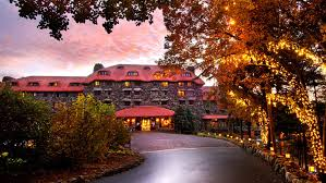 Picture of the Omni Grove Park Inn in Asheville, NC taken from the front courtyard
